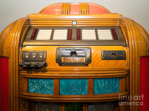 Photograph - Old Vintage Seeburg Jukebox Dsc2804 by Wingsdomain Art and Photography