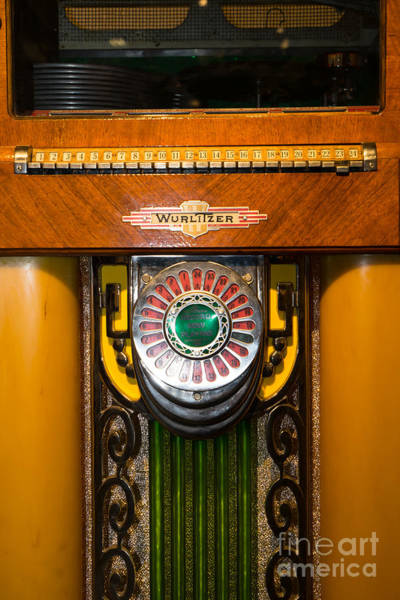 Wurlitzer Photograph - Old Vintage Wurlitzer Jukebox Dsc2808 by Wingsdomain Art and Photography