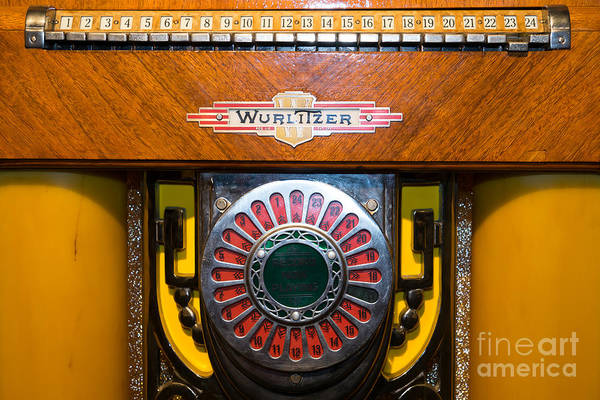 Wurlitzer Photograph - Old Vintage Wurlitzer Jukebox Dsc2809 by Wingsdomain Art and Photography