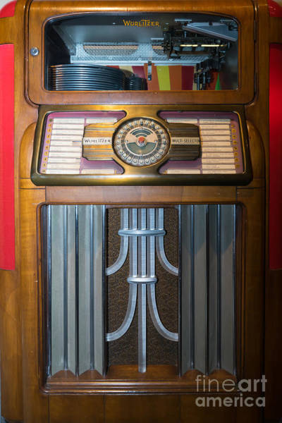 Wurlitzer Photograph - Old Vintage Wurlitzer Jukebox Dsc2812 by Wingsdomain Art and Photography