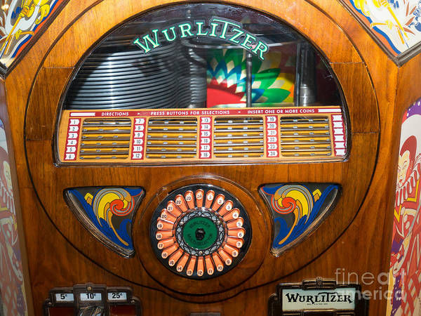 Wurlitzer Photograph - Old Vintage Wurlitzer Jukebox Dsc2825 by Wingsdomain Art and Photography