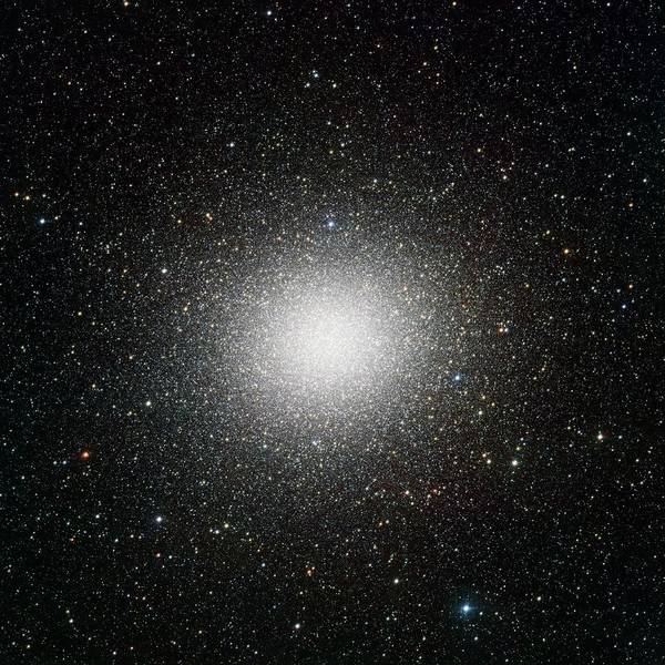 Ir Photograph - Omega Centauri by European Southern Observatory/inaf-vst/omegacam/science Photo Library