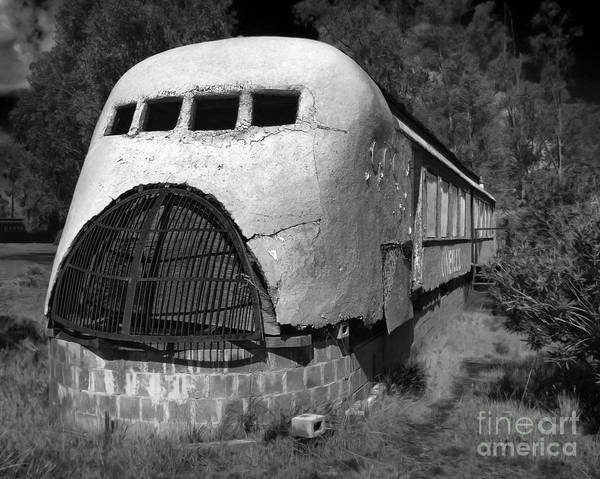 Photograph - Oneills Streamline Diner - 02 by Gregory Dyer
