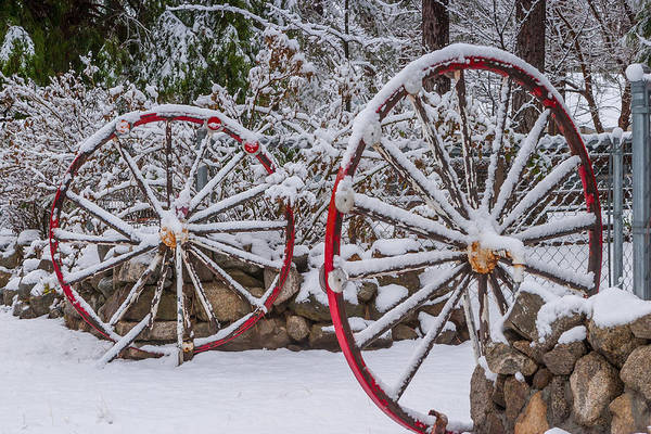Photograph - Oo Wagon Wheels by Scott Campbell