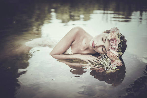 Relaxing Wall Art - Photograph - Ophelia by Dorota G?recka