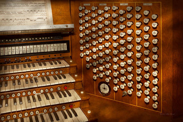 Photograph - Organist - Ready At The Controls by Mike Savad