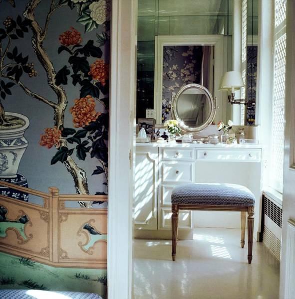Residence Photograph - Oscar De La Renta's Bathroom by Horst P. Horst