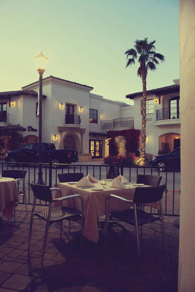 La Quinta Wall Art - Photograph - Outside Dining by Laurie Search