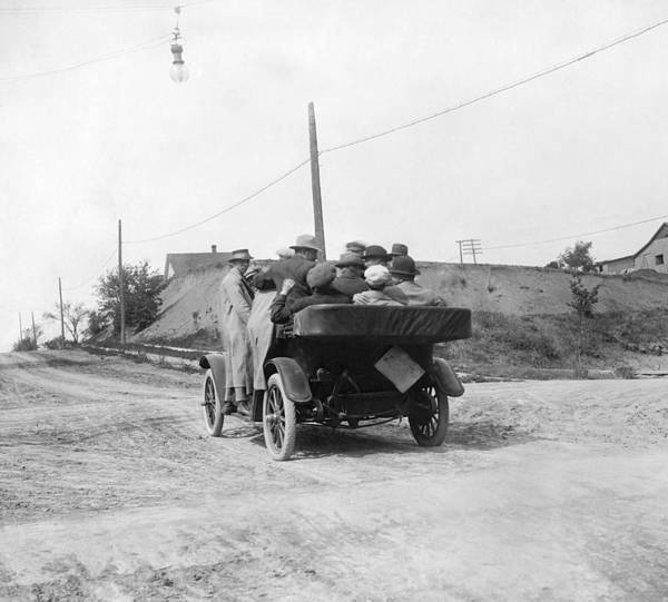 1915 Photograph - Overloaded Maxwell Car Test by Underwood Archives