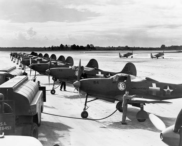 Wall Art - Photograph - P-39 Airacobra Fighter Planes by Underwood Archives