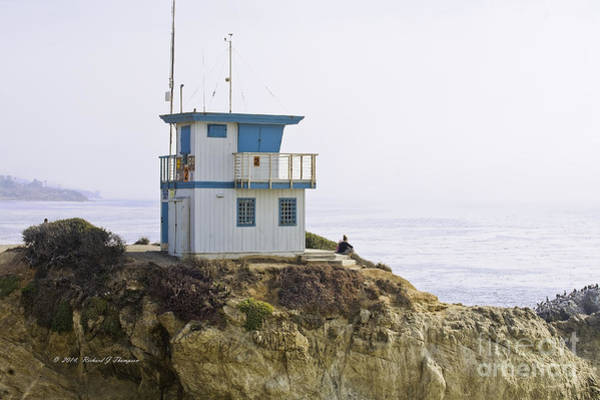 Photograph - Pacific Ocean Lookout Station Close-up by Richard J Thompson