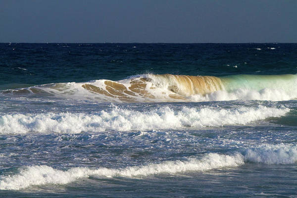 R Photograph - Pacific Ocean Waves Off The Island by David R. Frazier