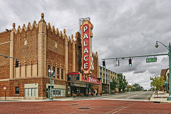 Wall Art - Photograph - Palace Theater by Marcia Colelli