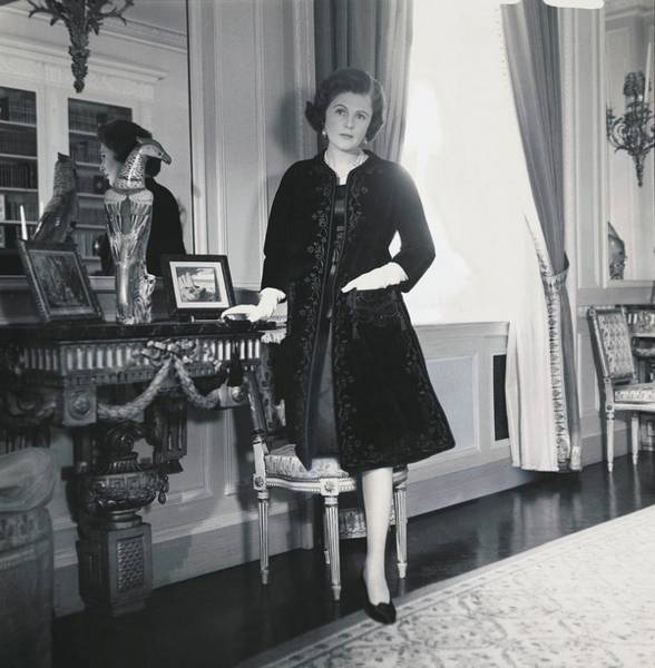 Luxury Photograph - Pamela Harriman With Her Hand In The Pocket by Horst P. Horst
