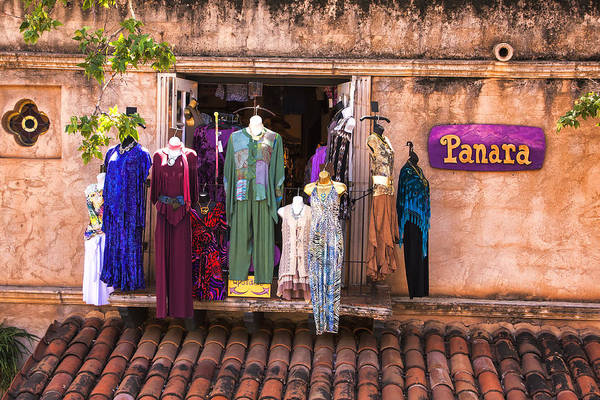 Photograph - Panara Boutique Sedona by Tom Singleton
