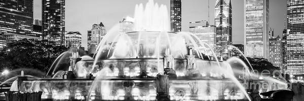 Chicago Art Photograph - Panoramic Picture Of Chicago Buckingham Fountain  by Paul Velgos