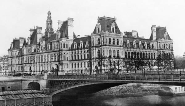 Wall Art - Photograph - Paris Hotel De Ville, 1884 by Granger