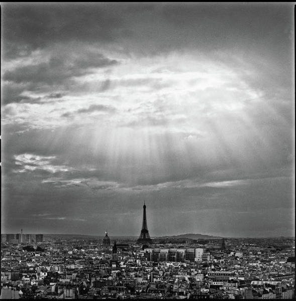 Paris Rooftop Photograph - Paris With Sunlight After Rain by Artmarie