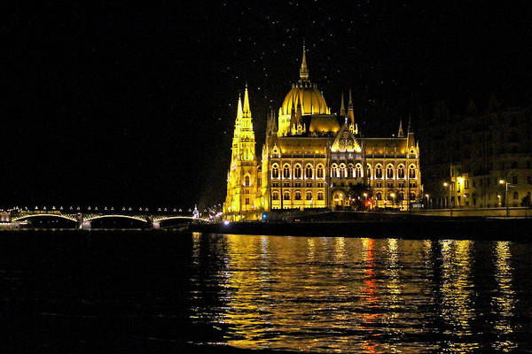 Parliament At Night Art Print