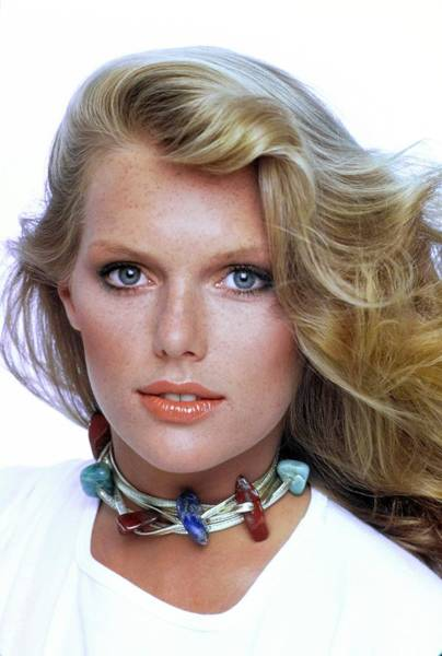 Eyeliner Wall Art - Photograph - Patti Hansen Wearing Max Factor Make-up by Arthur Elgort