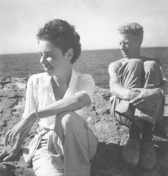 Wall Art - Photograph - Paul And Jane Bowles At A Beach by Cecil Beaton