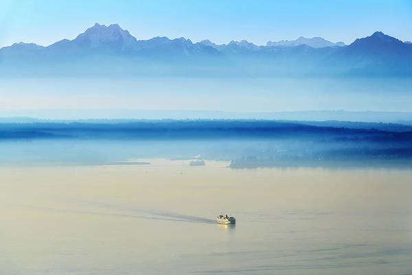 Elliot Bay Wall Art - Photograph - Peak To Sea by Ryan Manuel
