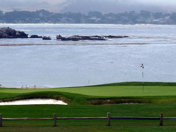 Photograph - Pebble Beach 18th Flag by Jeff Lowe