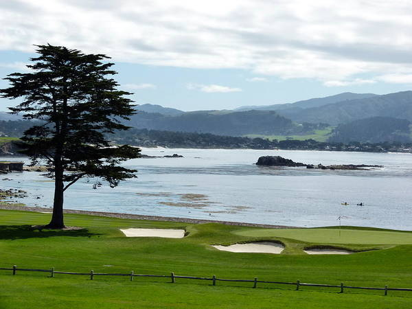 Photograph - Pebble Beach 18th Green Carmel  by Jeff Lowe
