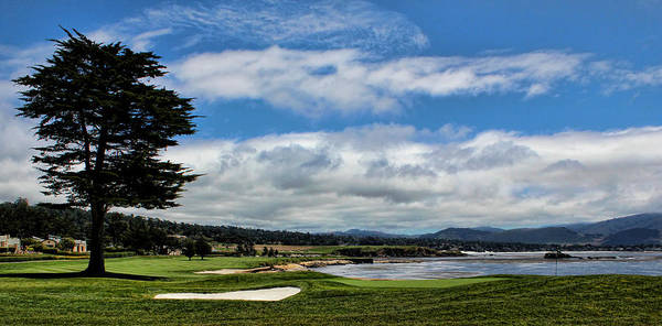 Pebble Beach Golf Course Photograph - Pebble Beach - The 18th Hole by Judy Vincent