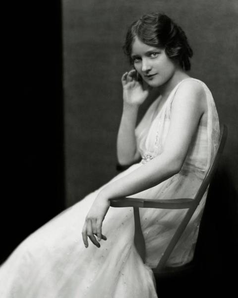 1923 Photograph - Peggy Wood Sitting In A Chair by Nickolas Muray