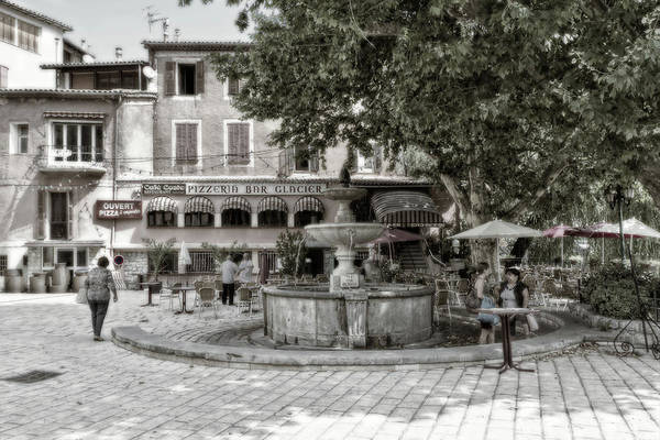 People On The Square Art Print