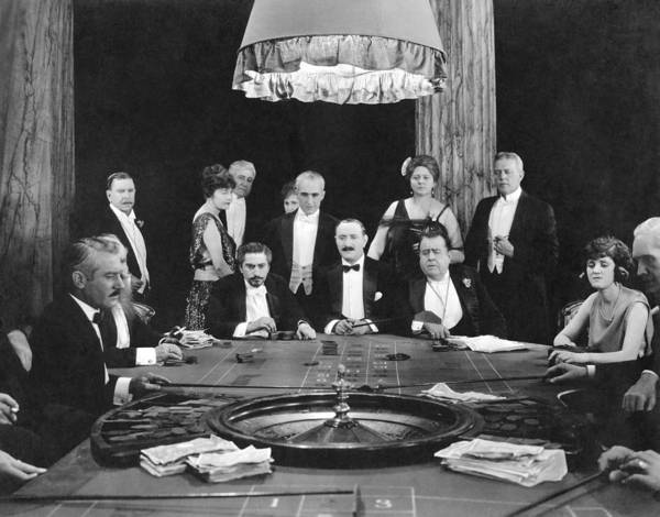 Wall Art - Photograph - People Playing Roulette by Underwood Archives