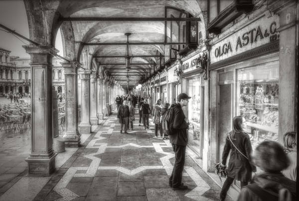 Photograph - People Under The Arcades by Roberto Pagani