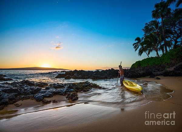 Maui Sunset Photograph - Perfect Ending - Beautiful And Secluded Secret Beach In Maui by Jamie Pham