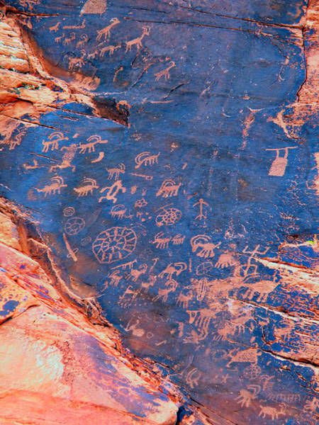 Photograph - Petroglyphs In The Valley Of Fire Nevada. by Frank Wilson