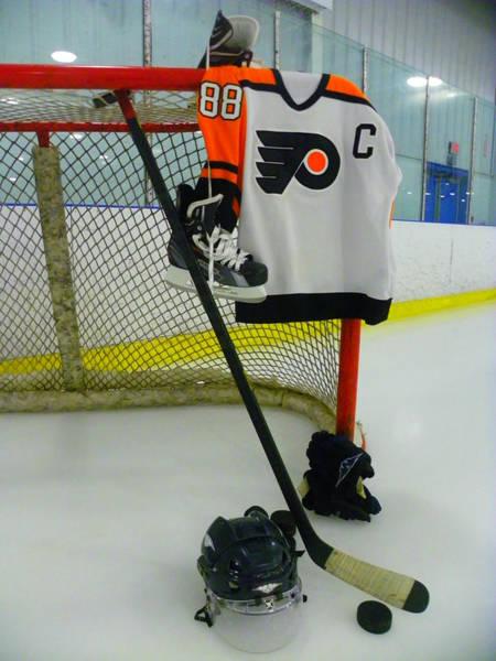 Photograph - Philadelphia Flyers Eric Lindros Away Hockey Jersey by Lisa Wooten