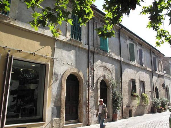 Painting - Piazza Garibaldi Cervia Ra Italia by Suzanne Cerny