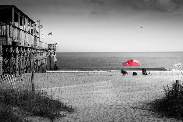 Black White And Red Wall Art - Photograph - Pier 14 by Ivo Kerssemakers