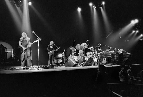 Center Stage Photograph - Pink Floyd by Gijsbert Hanekroot