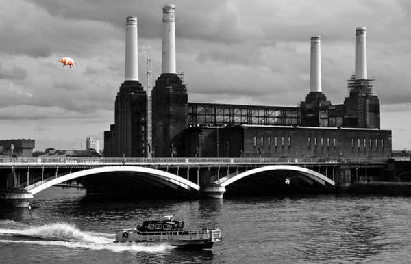 Colour Photograph - Pink Floyd's Pig At Battersea by Dawn OConnor