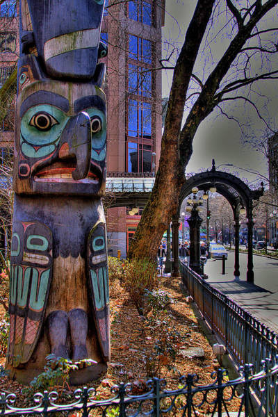 Photograph - Pioneer Square Totem Pole by David Patterson