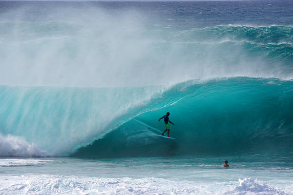 Wall Art - Photograph - Pipeline Free Surf by Kevin Smith