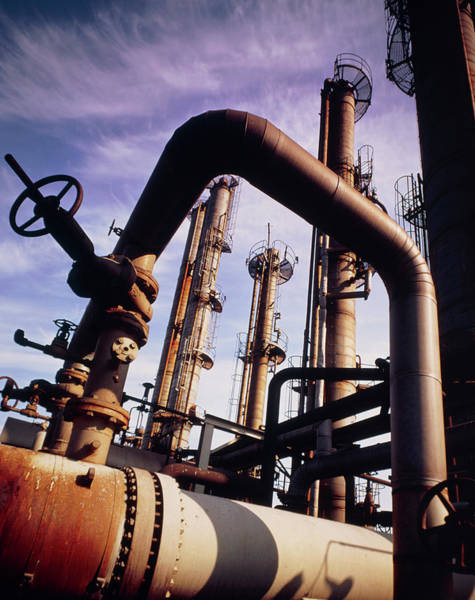 Wall Art - Photograph - Pipes And Towers At A Petrochemical Plant. by A. Sternberg/science Photo Library