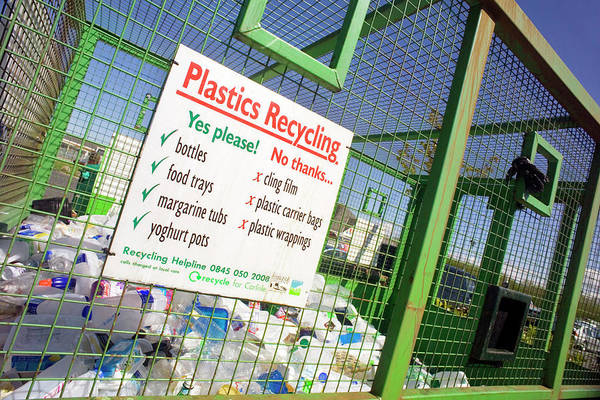 Wall Art - Photograph - Plastics Recycling by Simon Fraser/science Photo Library
