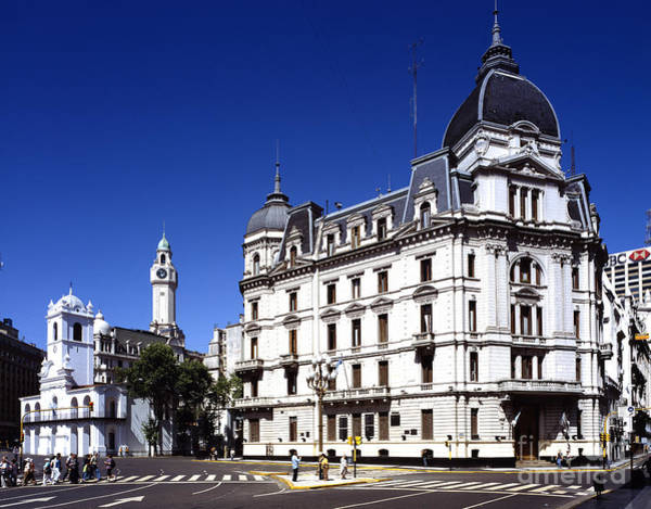 Cabildo Wall Art - Photograph - Plaza De Mayo, Buenos Aires by Rafael Macia