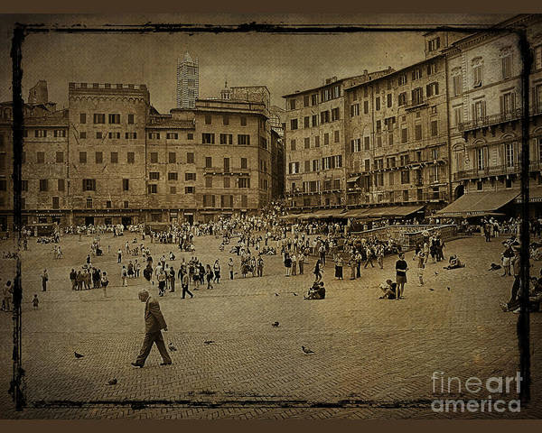 Wall Art - Photograph - Plaza Siena Italy by Jim Wright