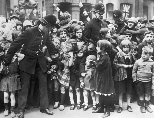 Restrain Photograph - Police Restraining Children by Underwood Archives
