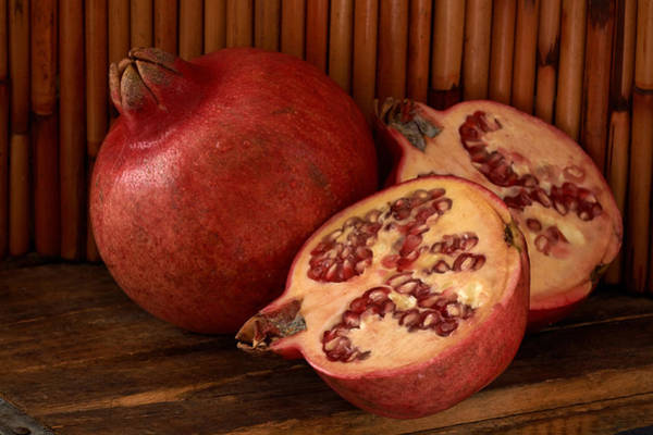 Photograph - Pomegrantes 4494 by Matthew Pace