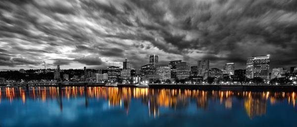 Pdx Photograph - Portland Skyline by Lee Gochenour