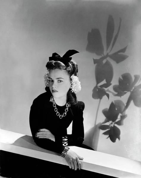 Top Hat Photograph - Portrait Of Esme O'brien by Horst P. Horst